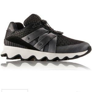 New SOREL kinetic speed shoe sneakers